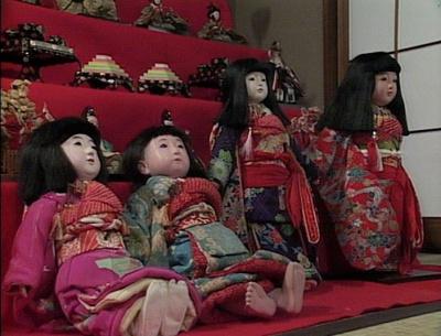渡鬼第1シリーズ第21回。雛壇飾りと市松人形2
